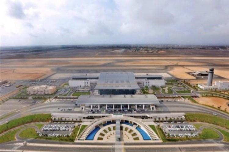 إغلاق مطار صلالة العُماني وإخلاء الخط الساحلي بسبب إعصار مكونو