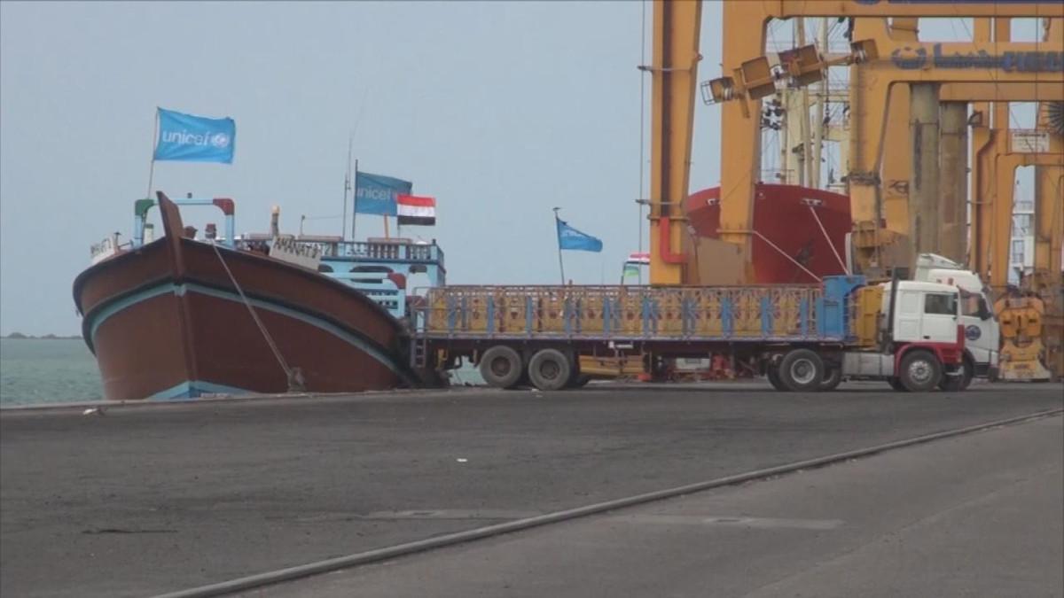 الغارديان: آمال المبعوث الأممي في اليمن تبخرت في ميناء الحديدة