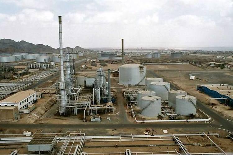 استكمال تركيب وحدة التقطير بمحطة الكهرباء التابعة لمصفاة عدن