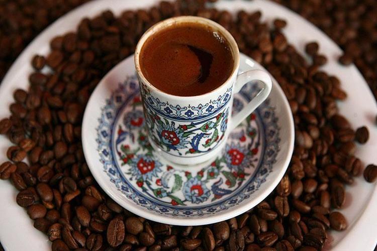 دراسة ألمانية: 4 أكواب من القهوة يومياً تحمي خلايا القلب من التلف