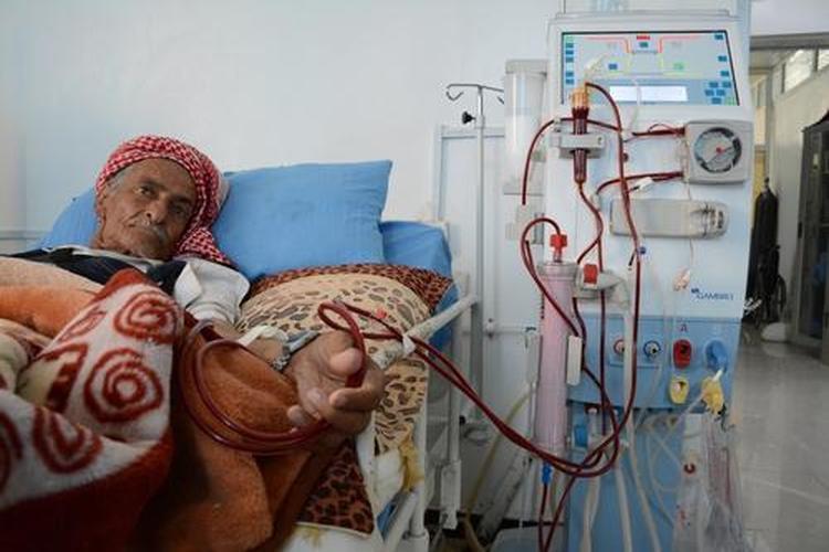 المحويت: مرضى الفشل الكلوي يناشدون لإنقاذ حياتهم
