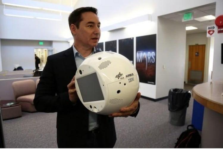 إطلاق إنسان آلي لمساعدة رواد الفضاء.. فيديو