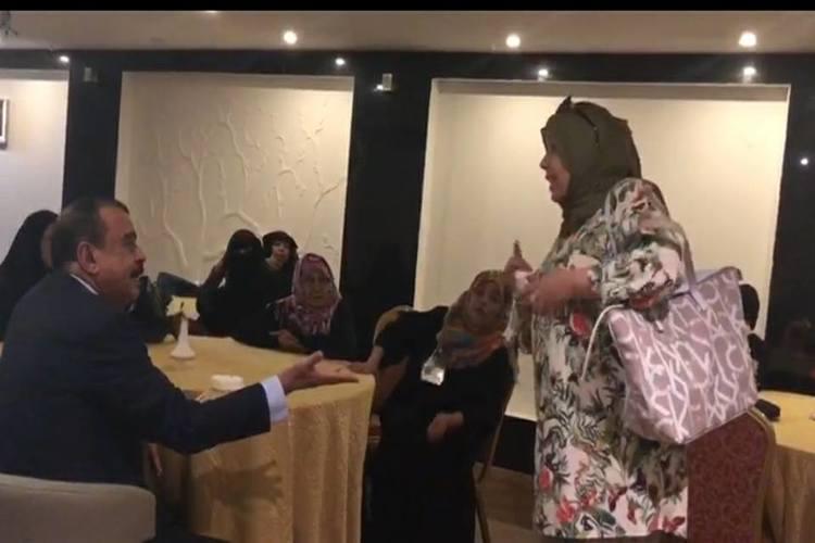 ذكرى العراسي تصدر توضيحاً حول فيديو اللقاء مع أحمد بن بريك: أقدم اعتذاراً