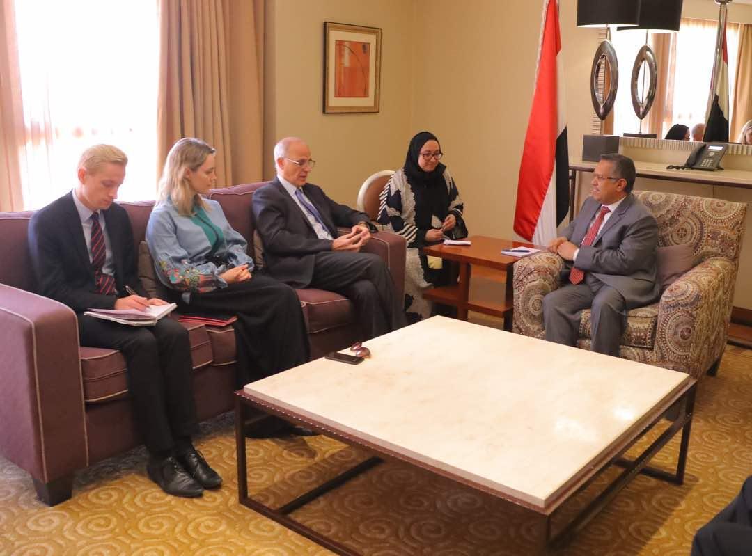بن دغر للسفير البريطاني: ضرورة إطلاق سراح الصبيحي وهادي ورجب وقحطان
