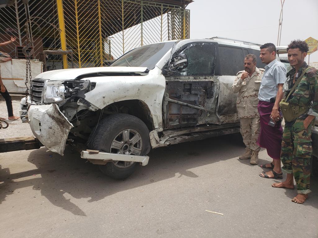 قتلى وجرحى بانفجار استهدف قائداً أمنياً في عدن.. صور وفيديو