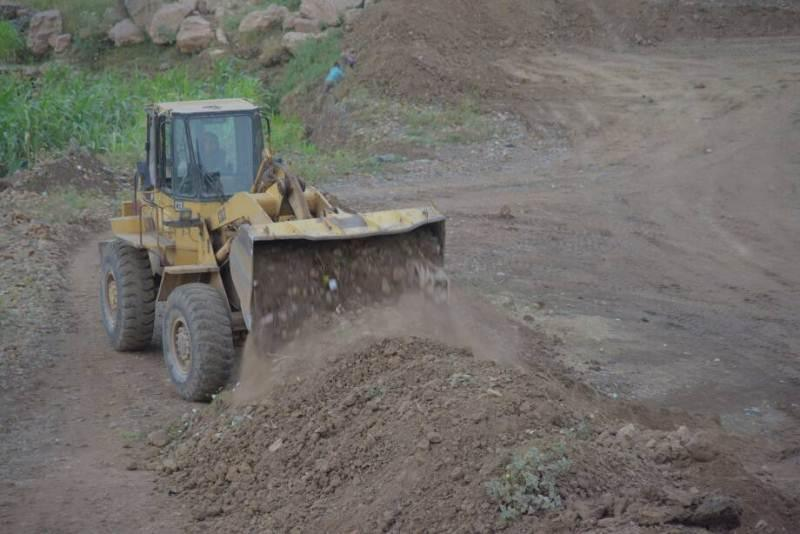 العوان المباشر تتسلم 10 مواقع تنفيذ مشاريع مياه في إب والمحويت