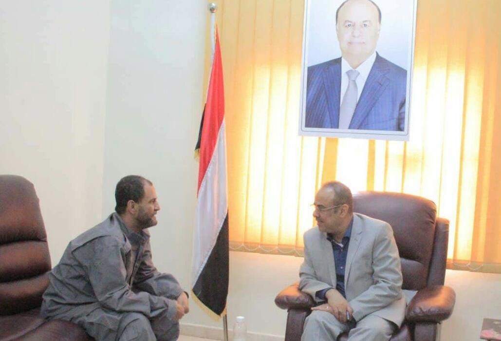 الميسري يلتقي مدير أمن عدن شلال شايع ويوجه بتصور حول الدراجات النارية