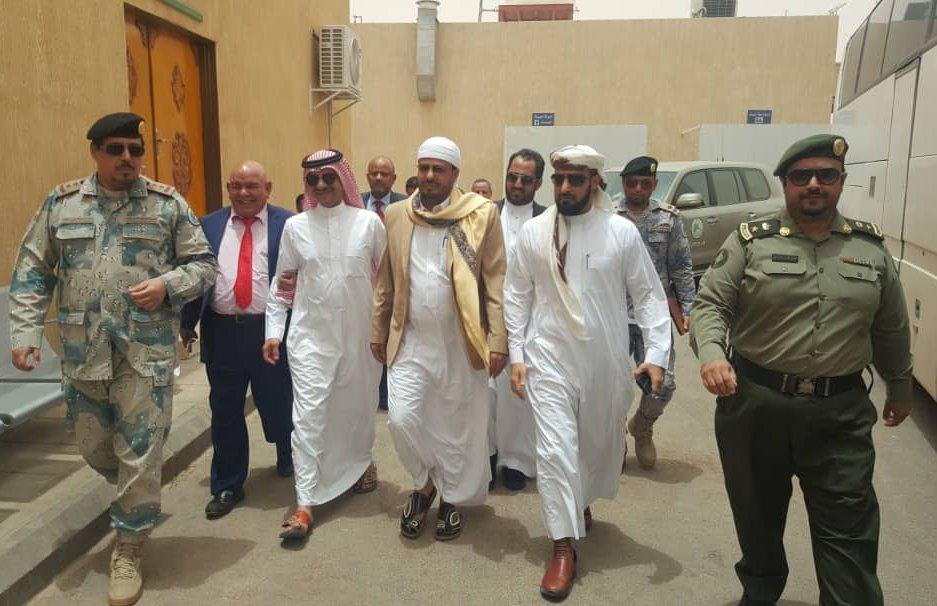 ترتيبات حجاج اليمن: وزير الأوقاف يزور الوديعة ويجتمع بالمسؤولين