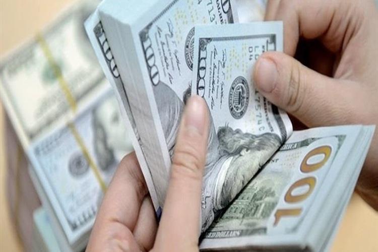 الدولار يرتفع وسط توقعات قاتمة لمحادثات التجارة