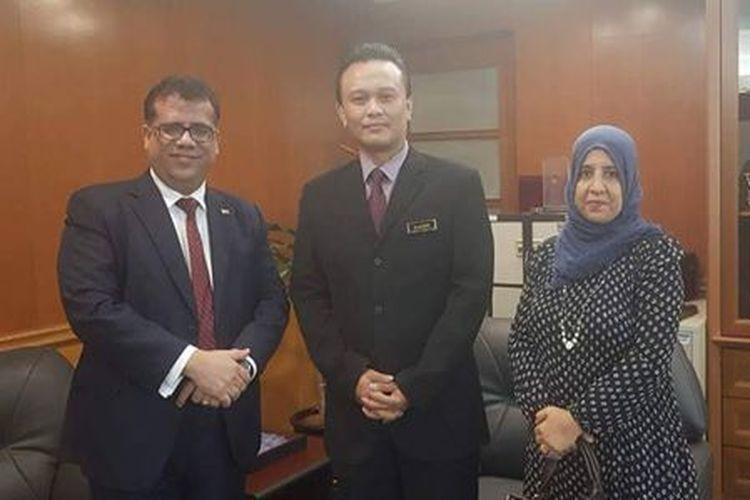 باحميد يلتقي مسؤولاً في الخارجية الماليزية ويطلعه على المستجدات اليمنية