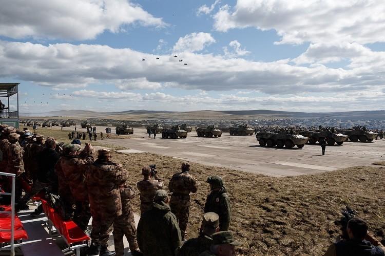 أكبر مناورة عسكرية في تاريخ روسيا: الشرق 2018