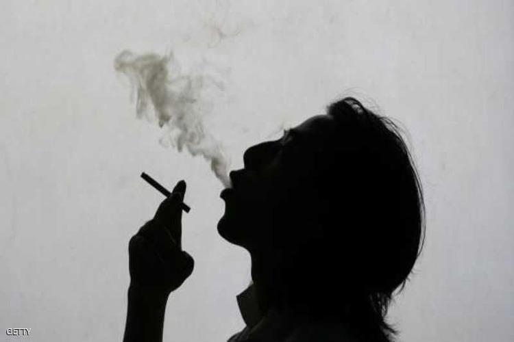 دراسة أمريكية: دخان السجائر يضر البصر