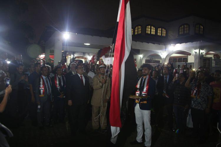 إيقادة شعلة ثورة الـ26 من سبتمبر بالسفارة اليمنية في ماليزيا