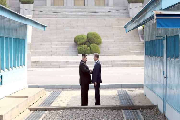 الكوريتان تبدآن إزالة الألغام على امتداد الحدود المشتركة