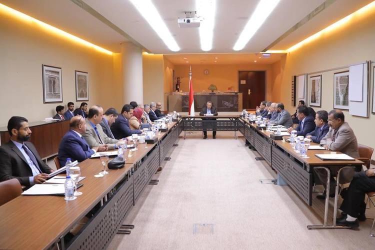 حكومة بن دغر توجه دعوة إلى المجلس الانتقالي الجنوبي بعد دعوته لانتفاضة