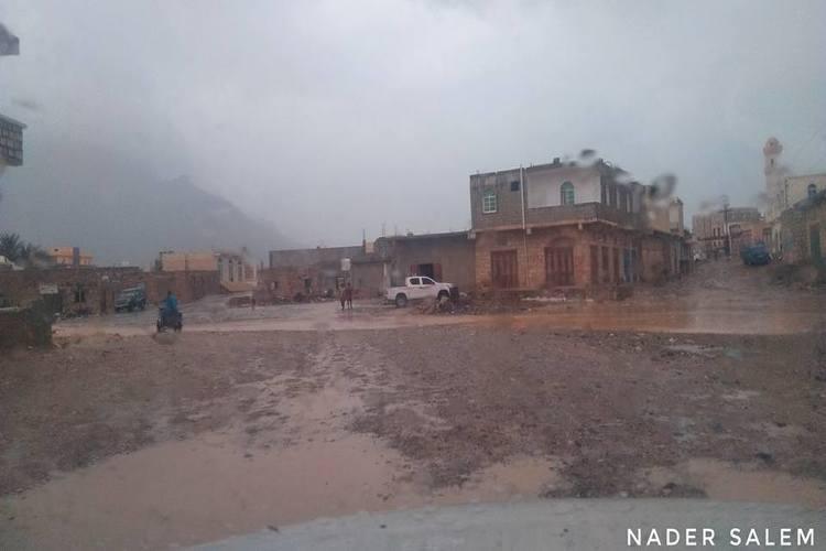 """سقطرى: هطول أمطار خفيفة مصحوبة برياح مع اقتراب عاصفة """"لبان"""".. فيديو"""