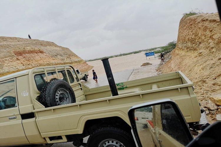 محافظ المهرة يطلق تحذيراً جديداً للمواطنين في الغيضة ومحيطها بشأن العاصفة