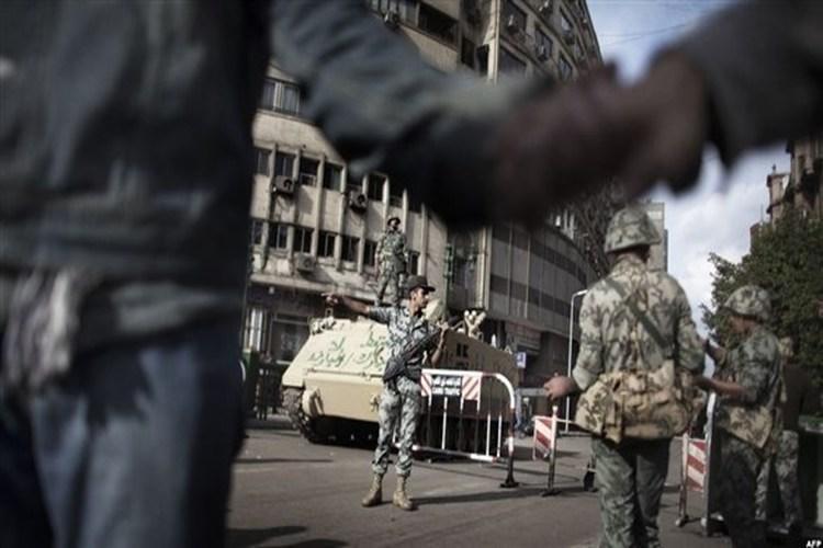 الرئيس المصري يمدد حالة الطوارئ 3 أشهر