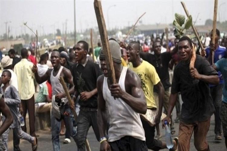 نيجيريا تفرض حظر التجول بعد أعمال عنف طائفية في ولاية كادونا