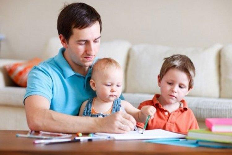 دارسة: عادات الأب السيئة تنعكس على ذكاء الأبناء والأحفاد