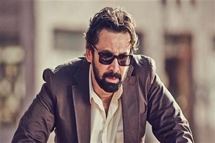 الفنانالمصري كريم عبد العزيز يرد على شائعة وفاته