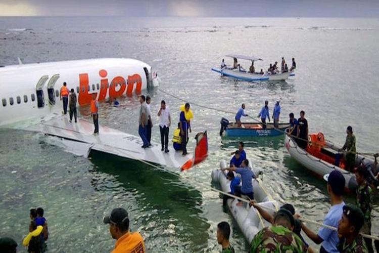 تحطم طائرة إندونيسية في البحر على متنها 188 شخصاً
