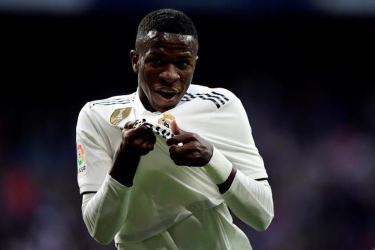 ريال مدريد يفوز على بلد الوليد 2-0 في الدوري الإسباني.. فيديو