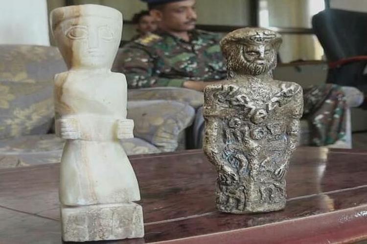 أمن مأرب يحبط عملية تهريب قطع أثرية نادرة.. صور