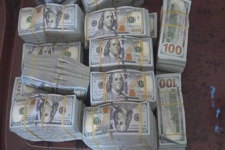مأرب: إحباط تهريب أكثر 2 مليون دولار ونحو 9 ملايين ريال سعودي.. صور