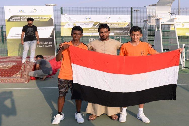 اليمن يفوز بالميداليات الذهبية للبطولة الآسيوية الثالثة للتنس.. صور
