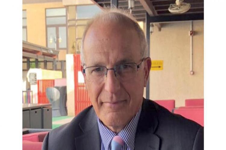 السفير البريطاني يكشف تفاصيل ودوافع تحركات بلاده الأخيرة بشأن اليمن