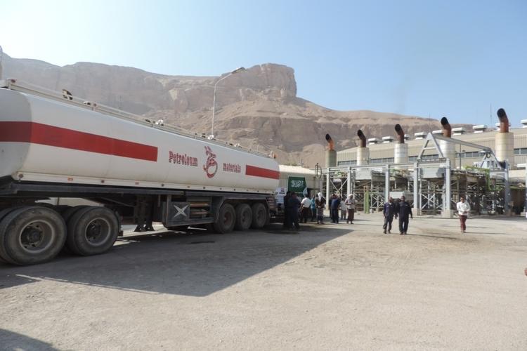 استلام الدفعة الأولى من الوقود المخصص لمحطات الكهرباء في حضرموت