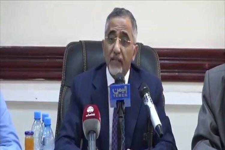 محافظ البنك المركزي اليمني: إصدار فئة جديدة من 100 ريال لمواجهة عجز الموازنة
