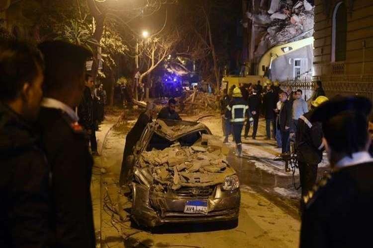 مصر: مقتل وإصابة 24 شخصاً بينهم ضابط و3 مجندين في حادث مروع