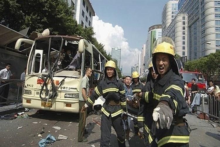 الصين: إصابة 17 شخصاً بانفجار قنبلة داخل حافلة في مدينة ليشان