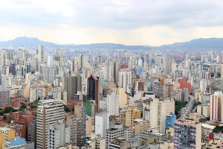 مقتل 12 شخصاً بإطلاق نار أثناء سطو على بنك في البرازيل