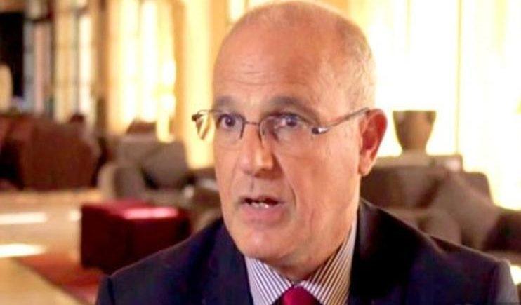 السفير البريطاني يتحدث عن تقدم بمفاوضات خزان صافر مع الحوثيين