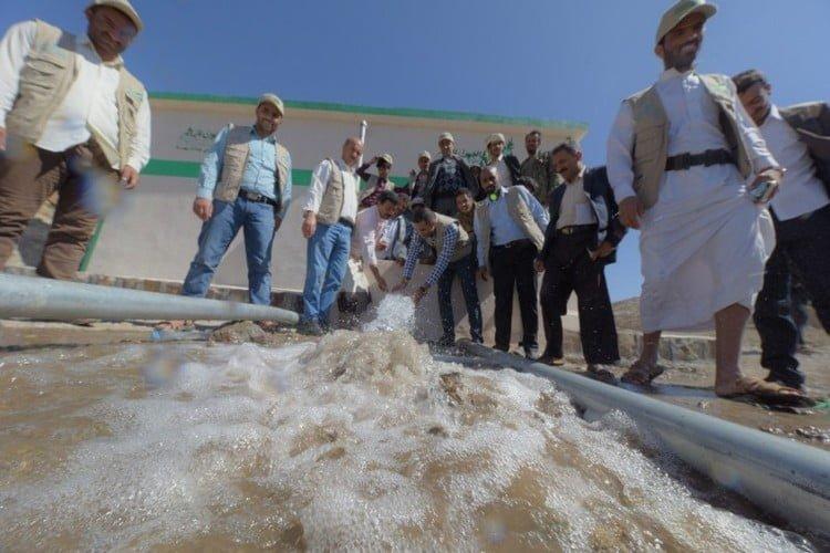 العون المباشر تفتتح مشروعين في ذمار يوفران المياه لـ10 آلاف يمني