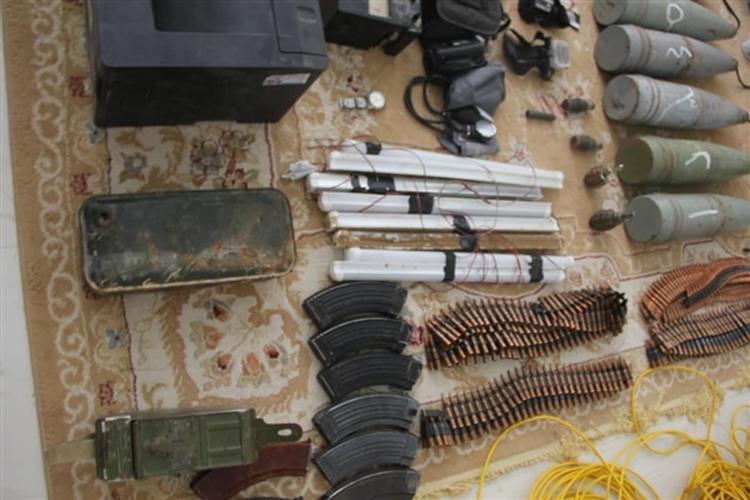 قوات المنطقة العسكرية الأولى في حضرموت تضبط إرهابيين في القطن