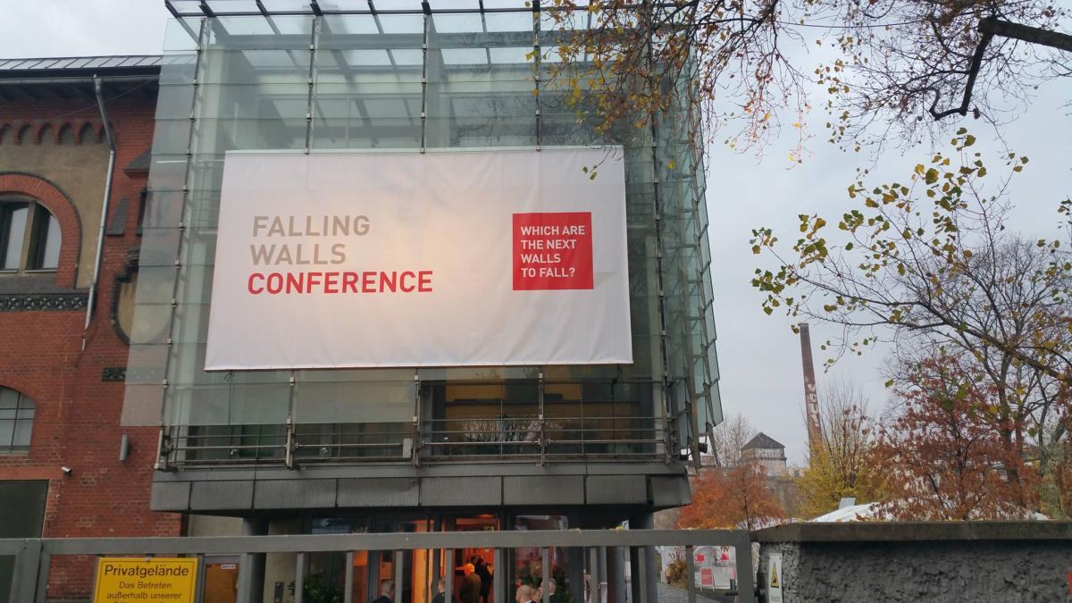 مؤتمر الجدران المتساقطة للعلوم في برلين: فلسفة هدم الحواجز نحو المستقبل