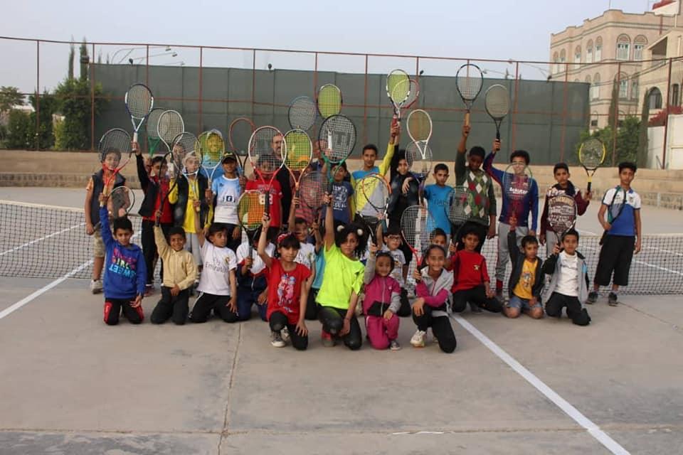 جمعان والصرمي يدشنان منافسات التنس بملتقى وحدة صنعاء الشتوي