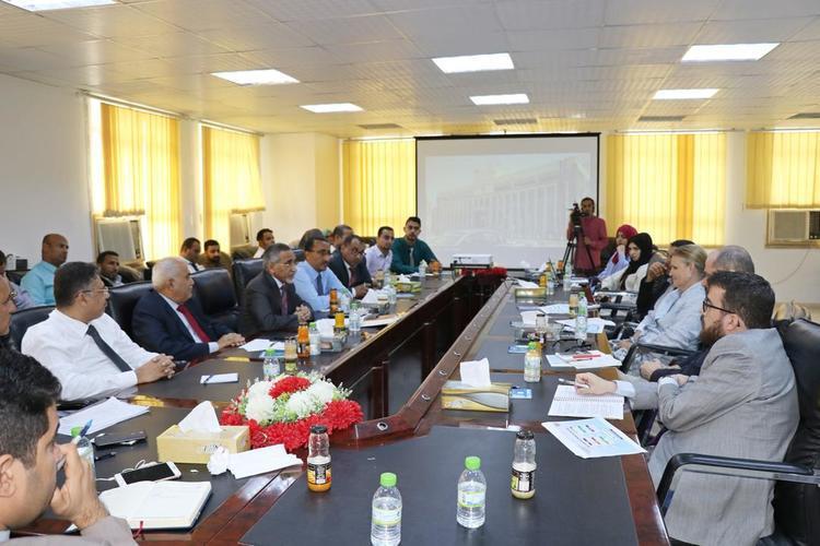 محافظ البنك المركزي يلتقي فريق الأمم المتحدة في اليمن برئاسة غراندي
