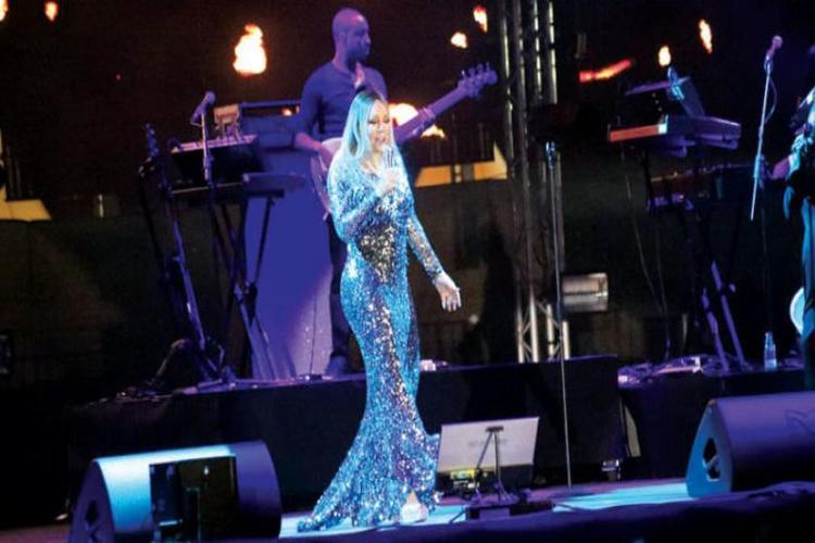 حضور كبير في أول حفلات ماريا كاري في جدة السعودية.. فيديو