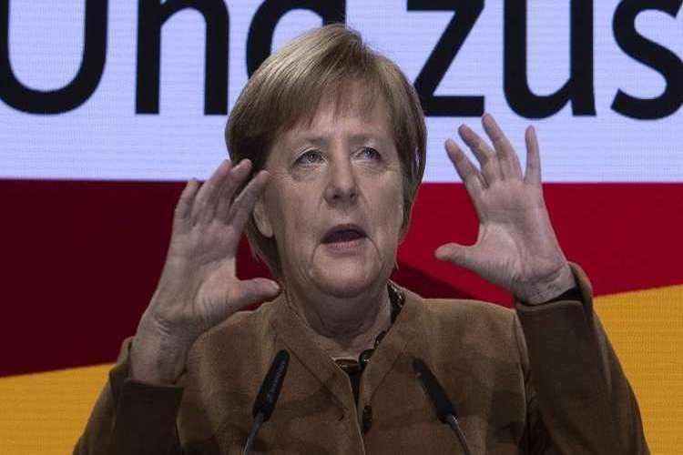 المستشارة الألمانية ميركل تحذف صفحتها على فيسبوك التي يتابعها 2.5 مليون