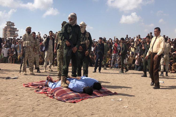 إعدام المتورطين باغتصاب وقتل طفل البساتين في عدن.. تفاصيل الجريمة