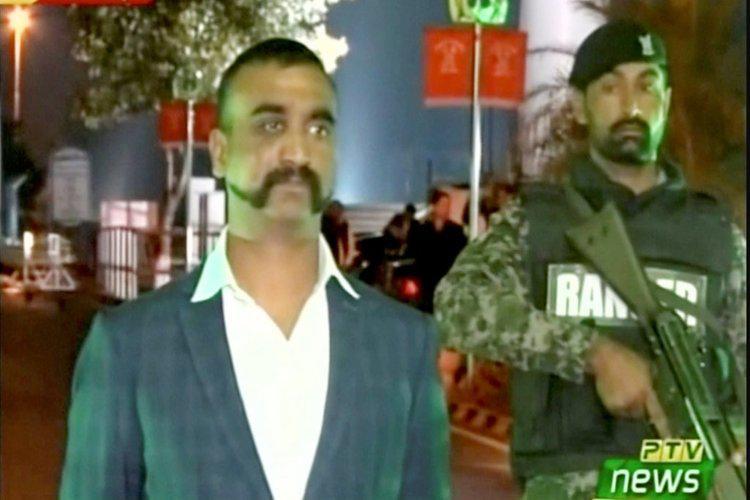 عودة الطيار الذي أسقطت باكستان طائرته فوق كشمير إلى الهند