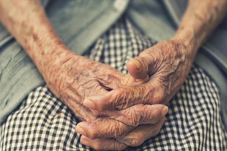 """دراسة أمريكية: مكملات فيتامين """"د"""" تعزز الذاكرة لدى المسنّات"""