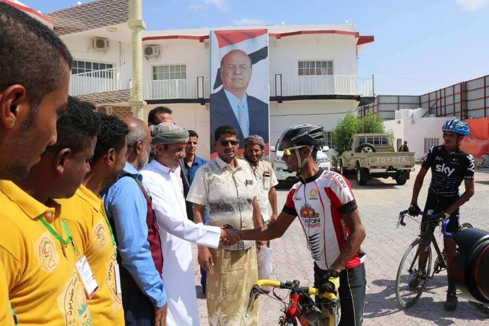 محافظ المهرة يستقبل أبطال محافظة حضرموت للدراجات الهوائية