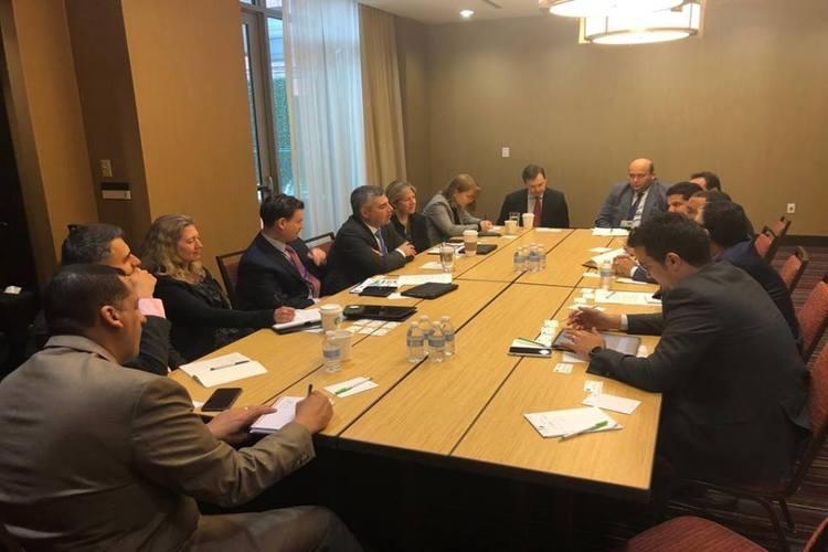 حافظ معياد يلتقي بوفد البنك الفيدرالي الأمريكي في واشنطن