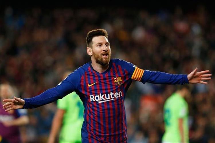 برشلونة يتوج بلقب الدوري الإسباني للمرة الـ26 في تاريخه.. فيديو